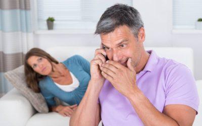 Jeg bliver ædt op af jalousi: Min mand har skrevet hemmelige beskeder i 5 år!