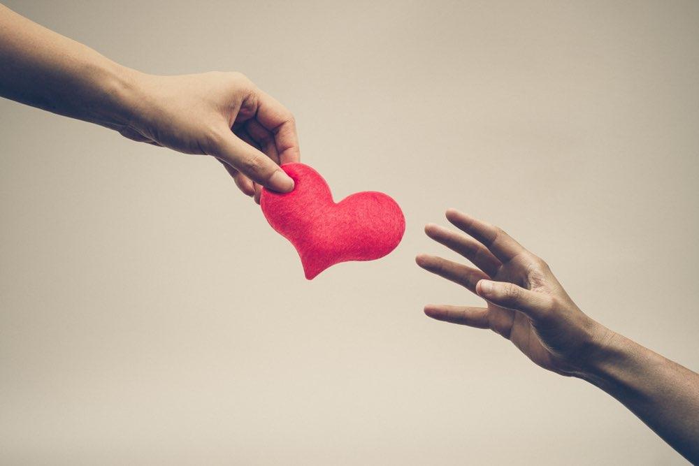 Kærlighed er en handling (ikke kun en følelse)