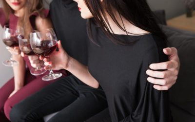 """Jaloux kvinde: """"Min mand krammer andre kvinder, når han har drukket!"""""""